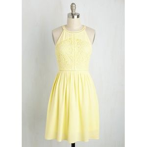 Doe and Rae, Yellow Lace Dress, M